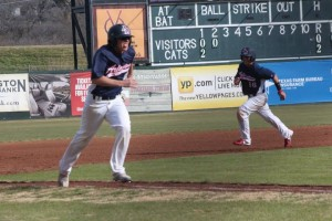 Patriots Get Solid Outing from Scruggs to Com…